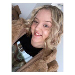 Chloe Barnett-Benedikti